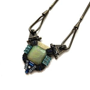 | vintage stunna amulet necklace |